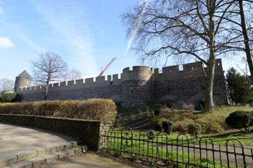 Anstrahlung Stadtmauer Hansaring
